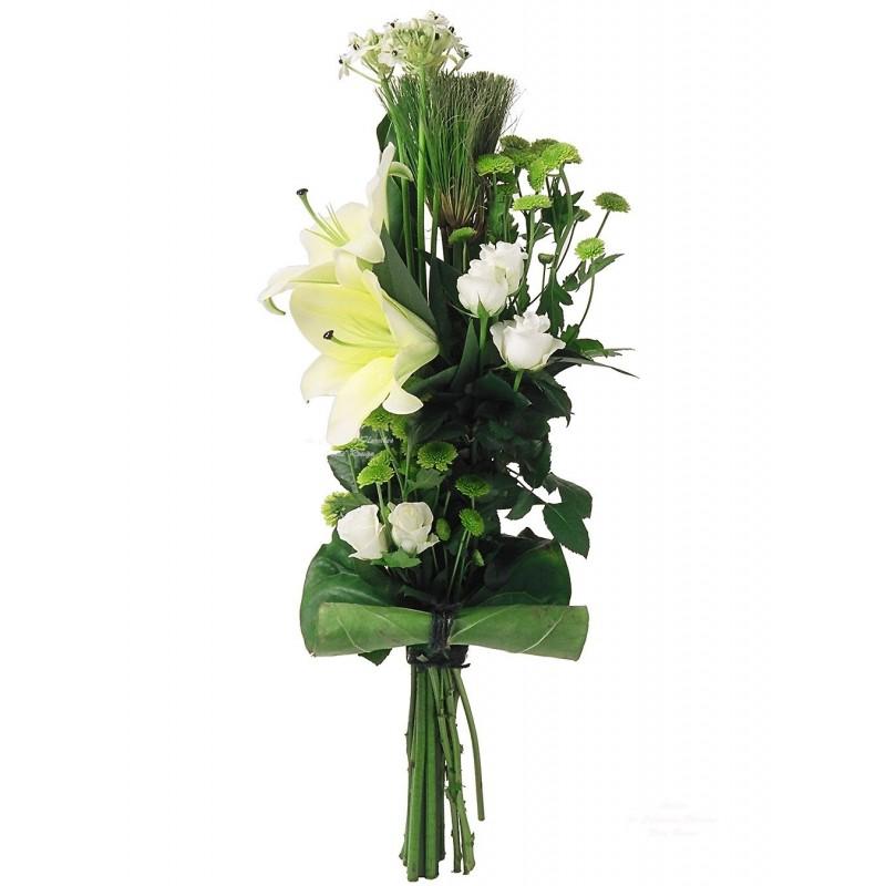 Вертикальный букет из хризантем