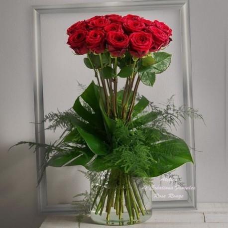 Bouquet de roses rouges bordeaux - Bouquet de rose saint valentin ...
